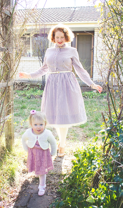 Vintage mama style ~ a practical shirtwaist dress with longer sleeves | Lavender & Twill