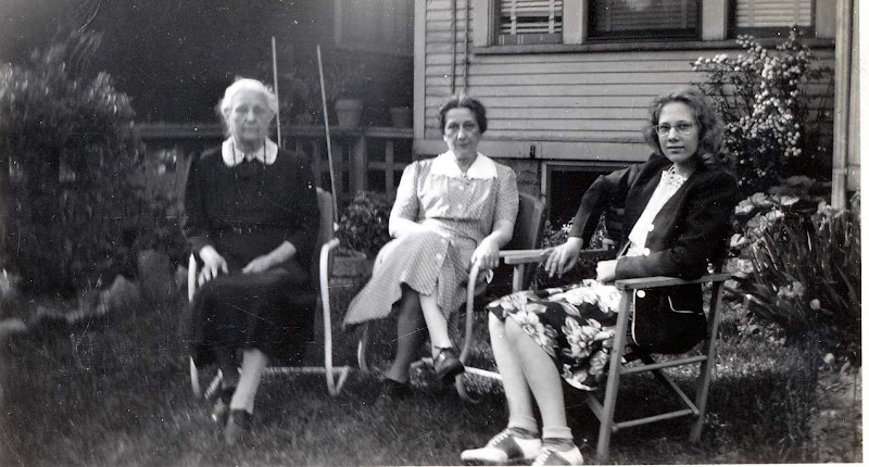 Gramma Drechsler, Aunt Pearl and Barbara Beck