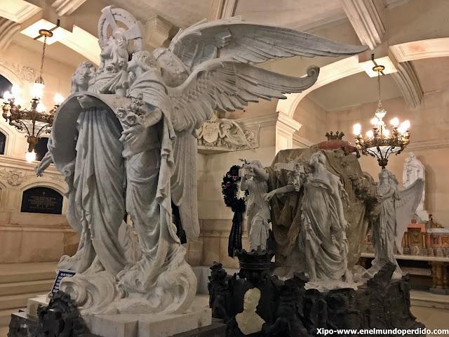 escultura-panteon-duquesa-de-sevillano-guadalajara.JPG