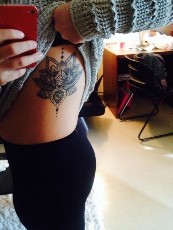 flor_de_ltus_lado_da_tatuagem
