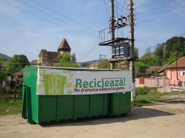 Prima campanie de colectare a deseurilor periculoase si a DEEEurilor - mai 2011 - DSC09641.JPG