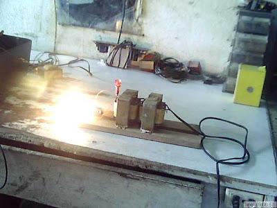 Isolation Transformer Powering a Bulb