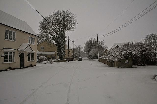 Woodhurst In the Snow - February 2009 - picture36.jpg
