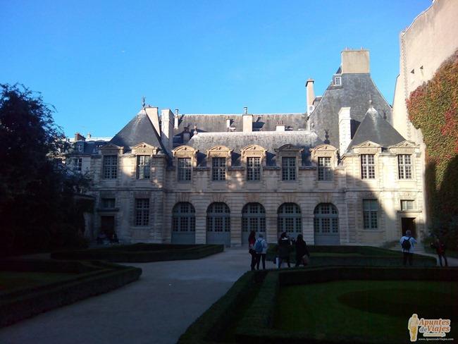 Visitar Paris a pie Marais Louvre 3