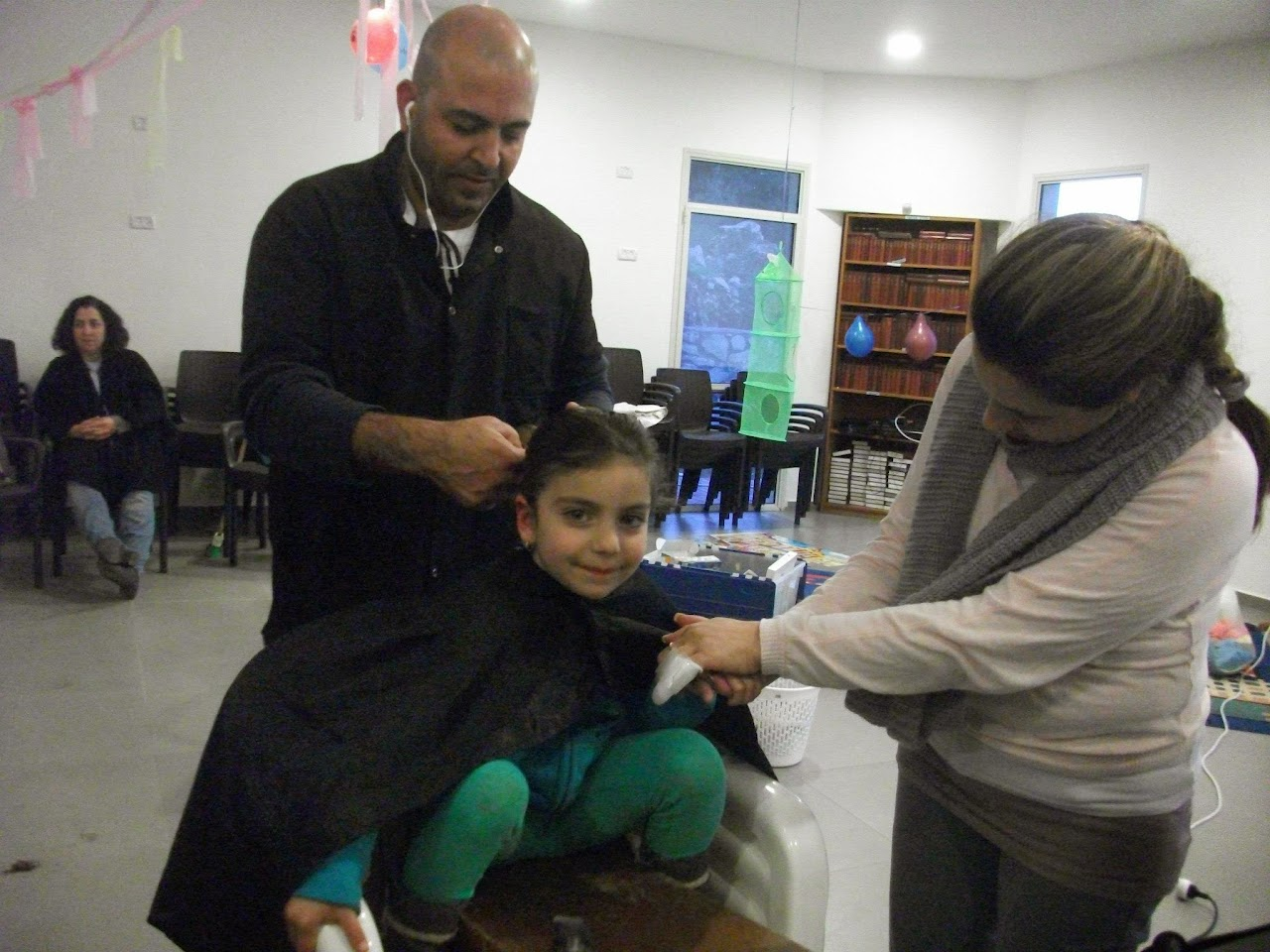 Donating hair for cancer patients 2014  - 1669870_539677946148503_1521227723_o.jpg