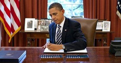 Obama in Oval Office