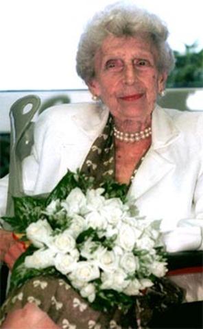 La infanta Beatriz de Borbón, en una imagen tomada en julio de 2001. EFE