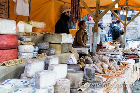 Fuardaki peynir tezgahları, Poble Espanyol Barselona