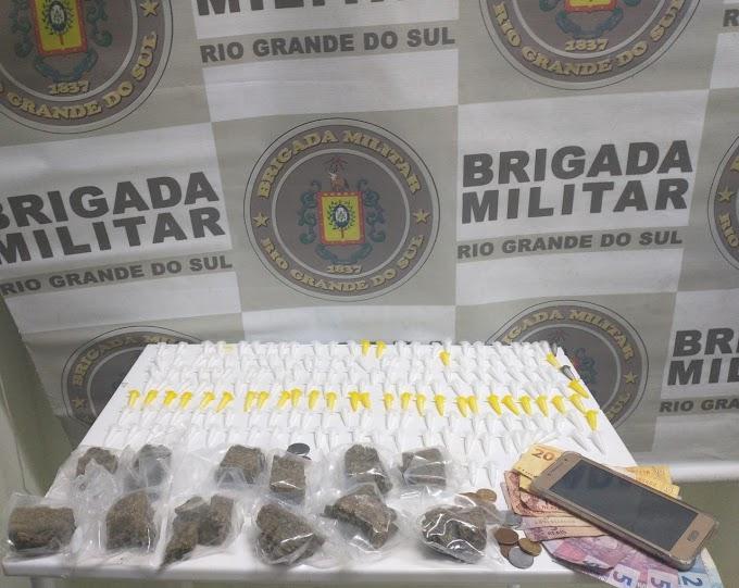 Homem é preso com quase 200 porções de drogas em Cachoeirinha