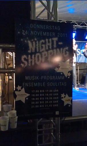瑞士蘇黎世Nightshopping的活動告示牌