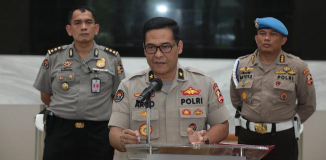 Lima Orang diJatim Ditangkap karena Melawan Saat Dibubarkan