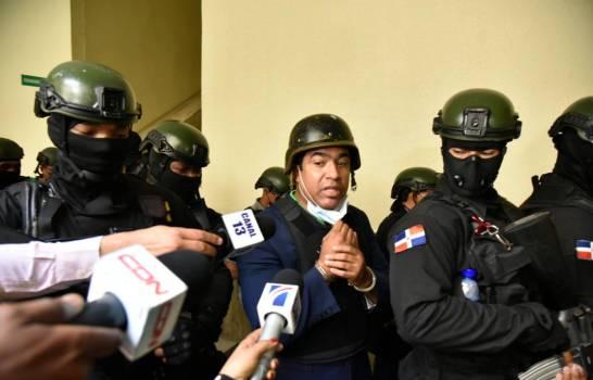 Dictan un año de prisión preventiva contra exadministrador de la Lotería Nacional