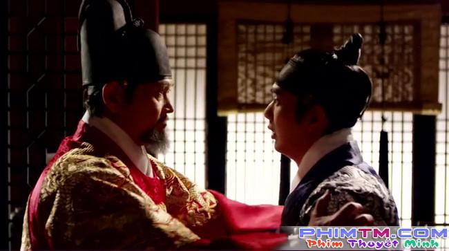 Hé lộ lí do Quân Chủ Yoo Seung Ho suốt ngày đeo mặt nạ - Ảnh 4.