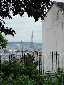 A clearer shot of the Eiffel Tower from Sacre Coeur.  I've zoomed in.