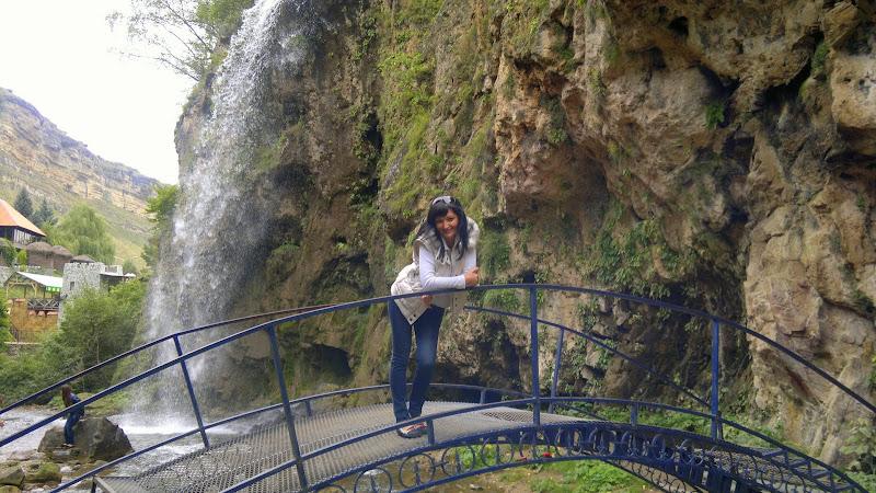 Большой водопад просто