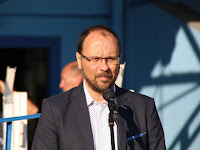 05 Štefan Gregor, Ipolyság polgármestere köszönti a versenyzőket.jpg