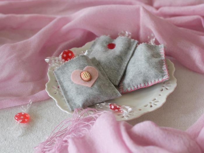 Grey Felt Valentine's Day Treat Bags by homework - carolynshomework (5)