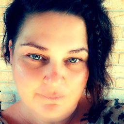 user Venessa Whitehead apkdeer profile image