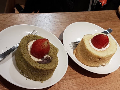 Matcha and cream roll cake from Cafe Muji
