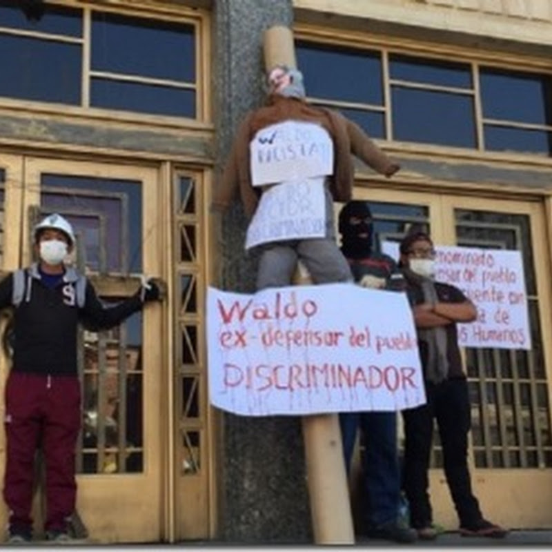 Estudiantes de Mecánica Automotriz se crucifican en la UMSA