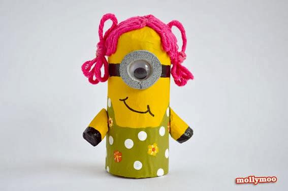 boneca minions de rolo de papel