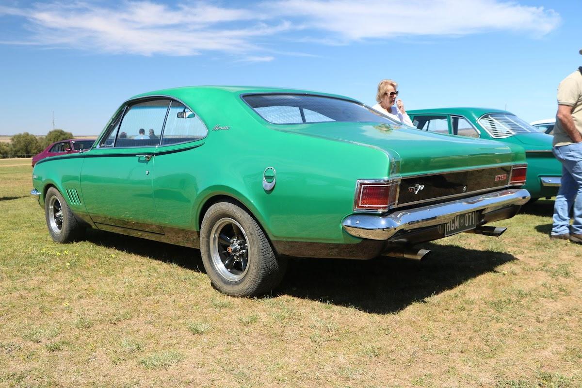 1971 Holden Monaro GTS (01).jpg