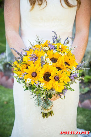 21 bó hướng dương rực rỡ cho đám cưới mùa hè