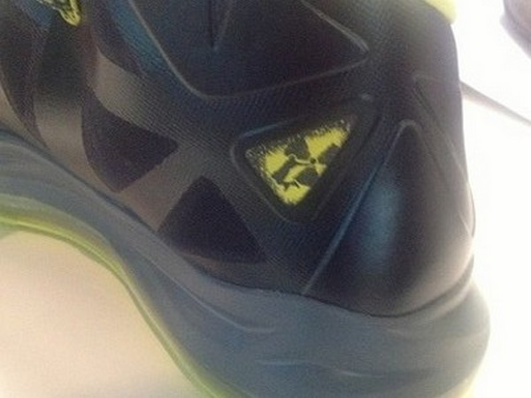 Only Slightly Better Look at Nike LeBron X Atomic Dunkman