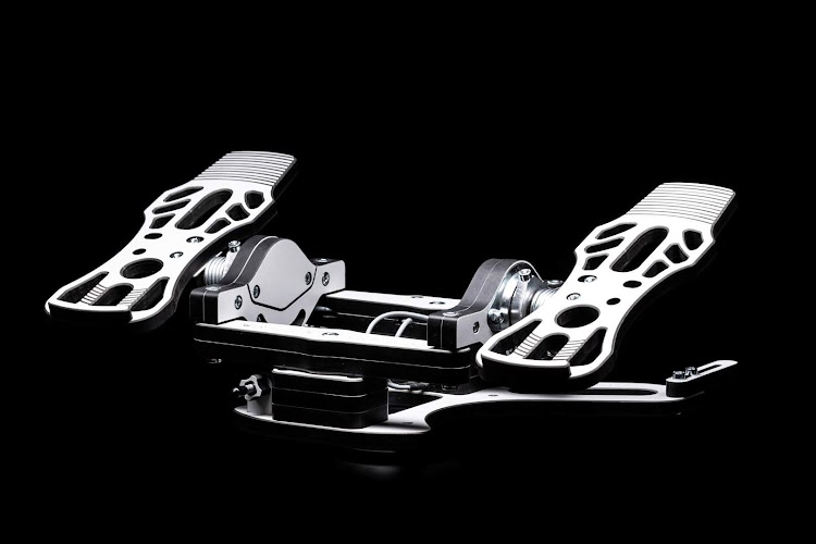 mfg-crosswind-rudder-pedals-1.jpg