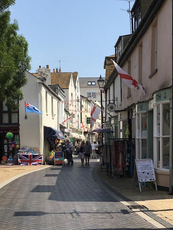 08 Narrow Winding Shopping Street