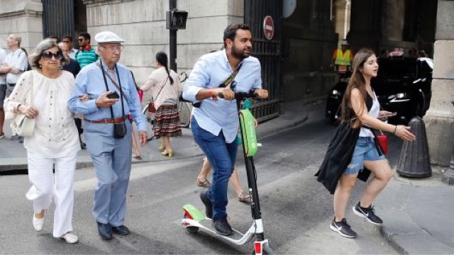 Taxi Leaks: Uber Gets Shut Out The Electric Scooter Battle