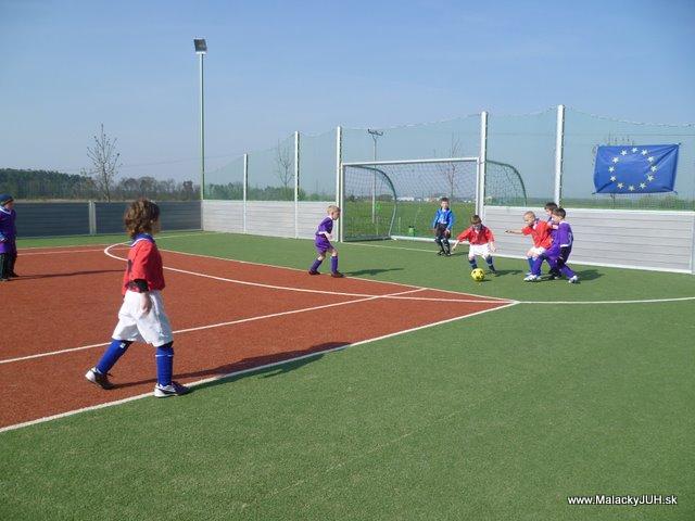 Veľkonočný medzinárodný ZLATÝ futbalový turnaj ČSFA (17.4.2011) - P1020039.JPG