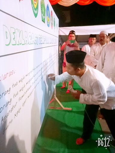 Camat Suwandi Cs Mendeklarasikan Tempuran Magrib Mengaji