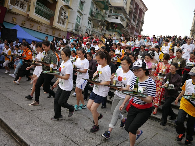 the start of the 2013 tray race in Macau