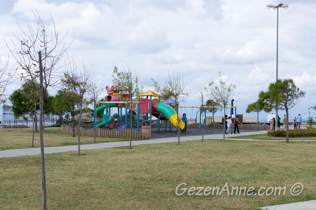Şile'de tepedeki çocuk parkı