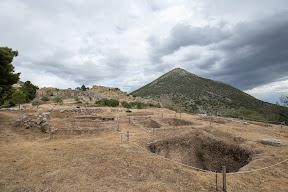 Mykines Graves