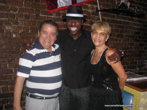 Betty e seu professor Alex Sorriso receberam os amigos para um baile especial da Cachanga do Malandro, no sábado, da 29/01, com sonorização de Carlos Bolacha.