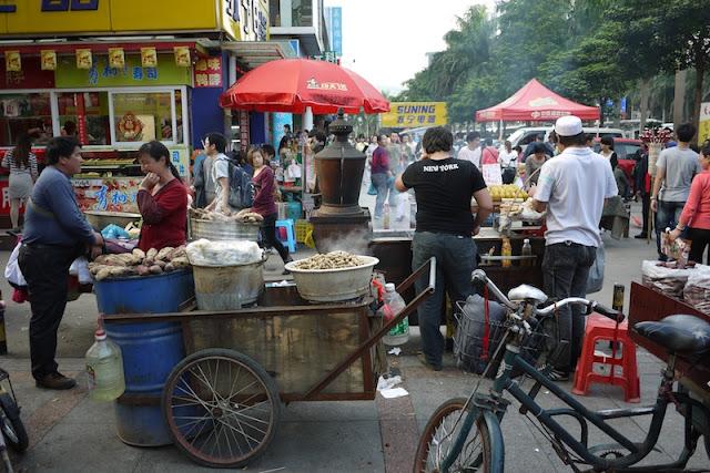 street vendors in Zhuhai, Guangdong