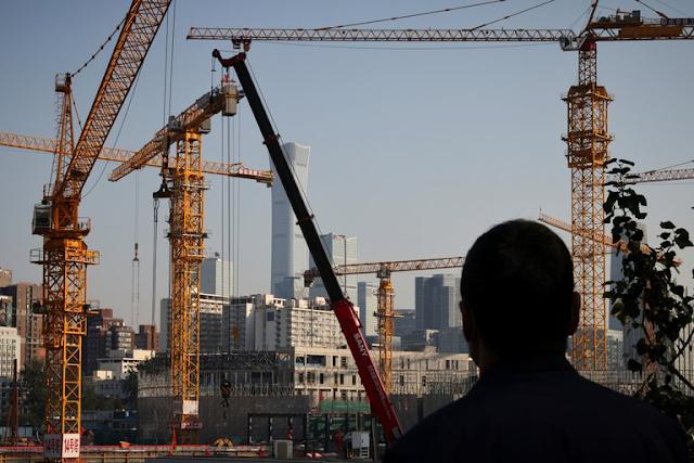 El crecimiento económico de China cayó a 4,9% en el tercer trimestre ante los problemas inmobiliarios y la escasez de energía