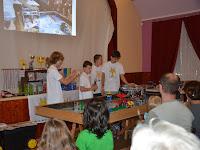 06.A Kanári-szigeteken versenyzett robot még még mindig megbízhatóan szelektálja a hulladékot – egyelőre csak a Legobol készült modelleke.JPG