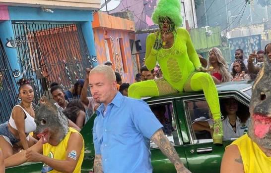 Entretenimiento: J Balvin graba videoclip con Tokischa