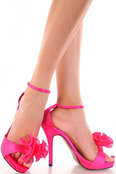 Barbie High Heels | Barbie's Dress Up Doll House: barbiesdressupdollhouse.blogspot.com/2011/03/barbie-high-heels.html#!