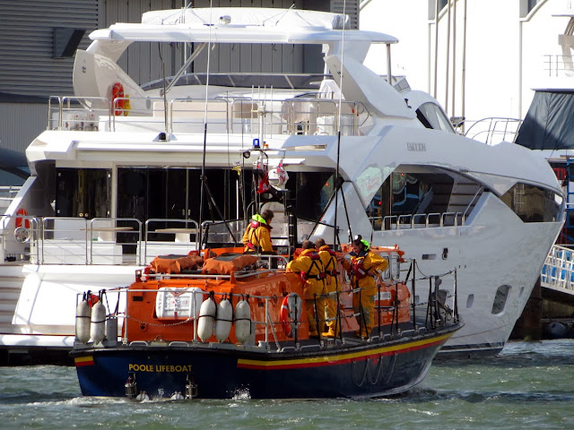 ALB returns to station after the Sunday morning  shout - 27 October 2013.  Photo credit: Kevin Mitchell, Maritime Images