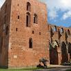 2006-06-15 11-29 Tartu - zamek.jpg