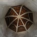 Château de Vincennes : donjon, vestiaire, plafond lambrissé