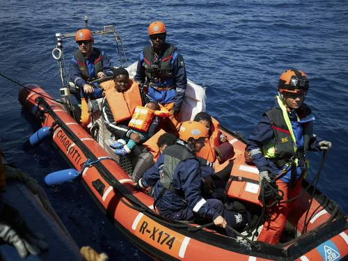 Breaking: 122 Illegal Immigrants Rescued Off Western Libyan Coast