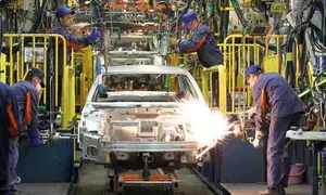 manufacturing-sector-in-India-ended-2020-on-2020-
