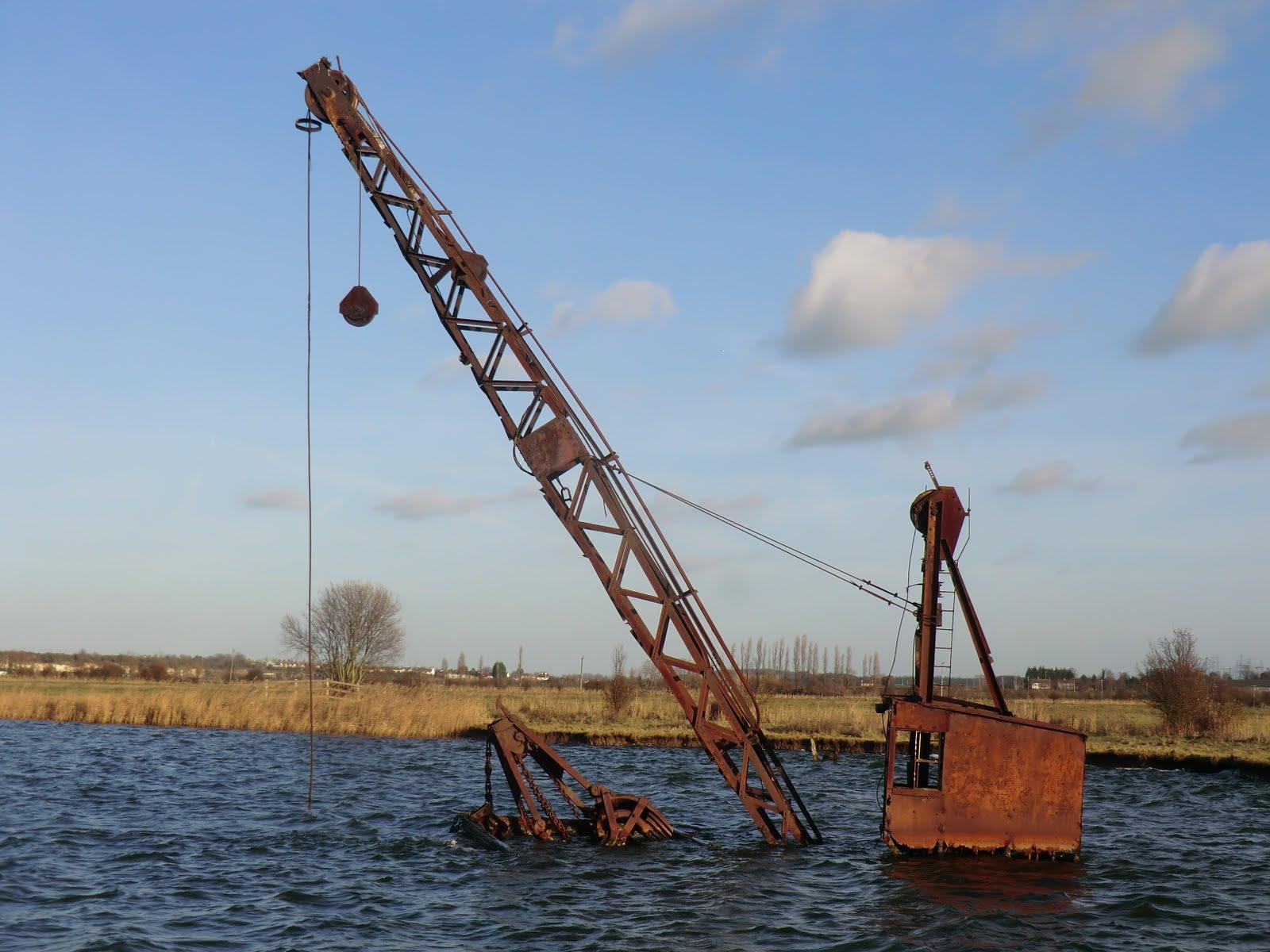CIMG6641 Abandoned crane