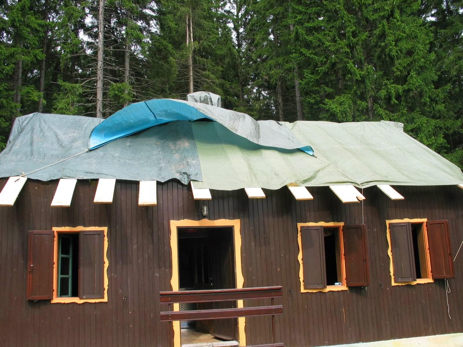 Delovna akcija - Streha, Črni dol 2006 - streha%2B164.jpg