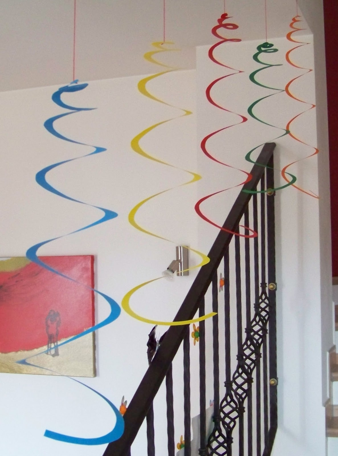 Mamma giochiamo addobbi di carnevale spirali e for Decorazioni da appendere al soffitto